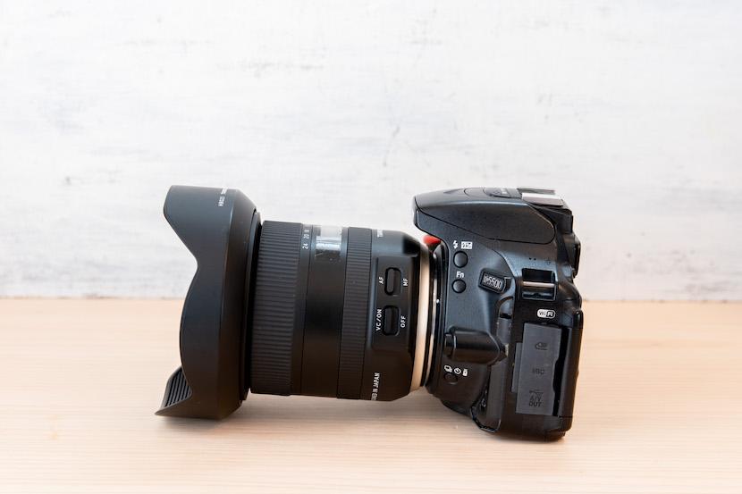 Tamron(タムロン)10−24レビュー_カメラに装着3