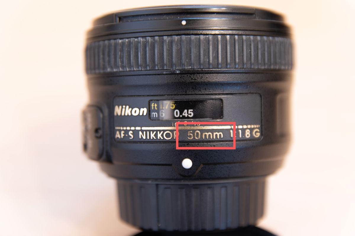 レンズの焦点距離(50mm)
